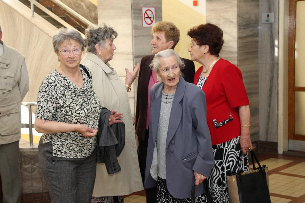 nő 56 éves találkozó)